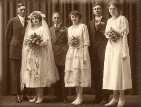 Wedding party, Milwaukee, early 1920s